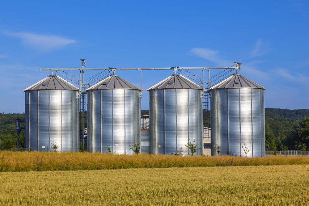 Фумигация зерна в силосах элеватора